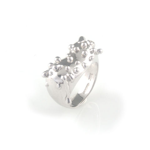Silver,ring,with,silver,droplets,silver jewellery, contemporary jewellery, ring
