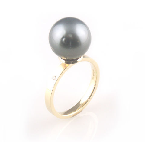'Bridal,&,Bespoke',-,gold,ring,with,black,tahitian,pearl,/,south,sea,pearls,bridal jewellery, wedding, ring, contemporary, south sea pearl, gold south sea pearl