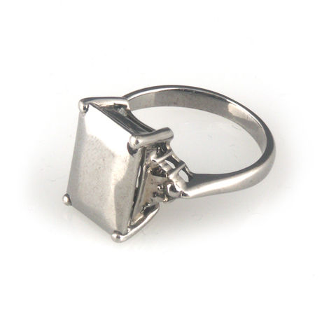 'Daimond,Temptation',-,small,black,emerald,cut,diamond,shaped,silver,ring,silver jewellery, contemporary jewellery, ring