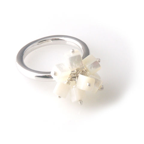 'Pearl,Wonder',-,silver,mother,of,pearl,cluster,ring,silver jewellery, contemporary jewellery, ring, pearl, mother of pearl
