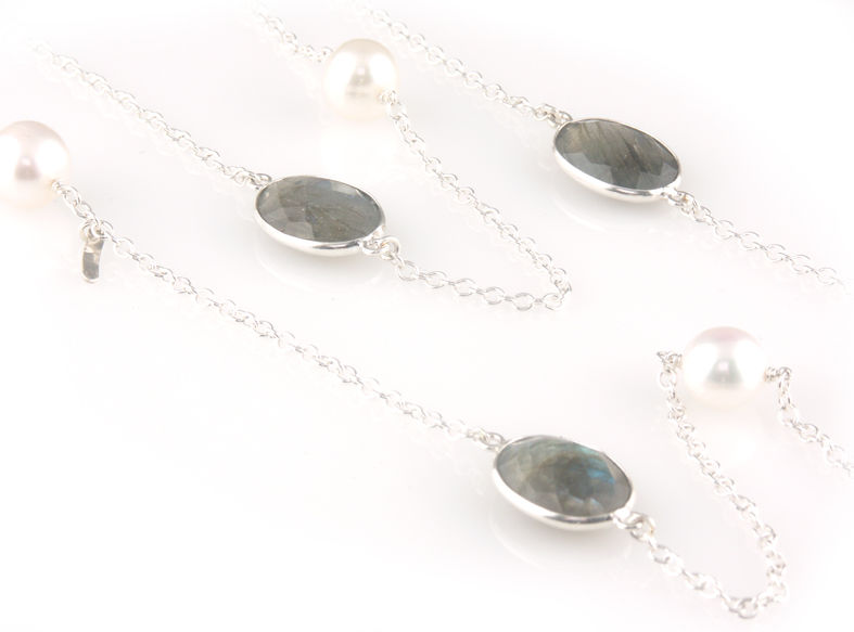 'Pearl Wonder' - long silver necklace with labradorites and pearls - product images  of