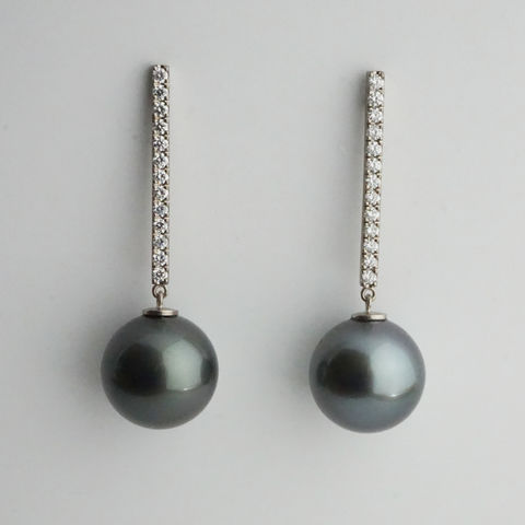 Bespoke,-,Tahitian,pearl,earrings,with,diamonds,bespoke jewellery, gold jewellery, contemporary jewellery, bridal jewellery, wedding, earrings, pearls, tahitian pearl