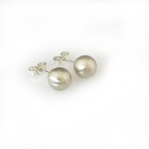 'Special,Offer',-,Silver,round,ball,ear,studs,silver jewellery, contemporary jewellery, earrings, silver round ball ear studs