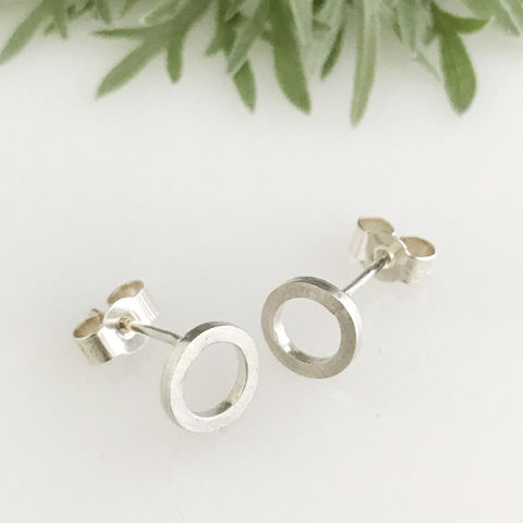 'Special,Offer',-,Silver,round,circle,ear,stud,(,medium,),silver jewellery, contemporary jewellery, earrings, ear stud, silver ear stud, silver round circle ear studs.