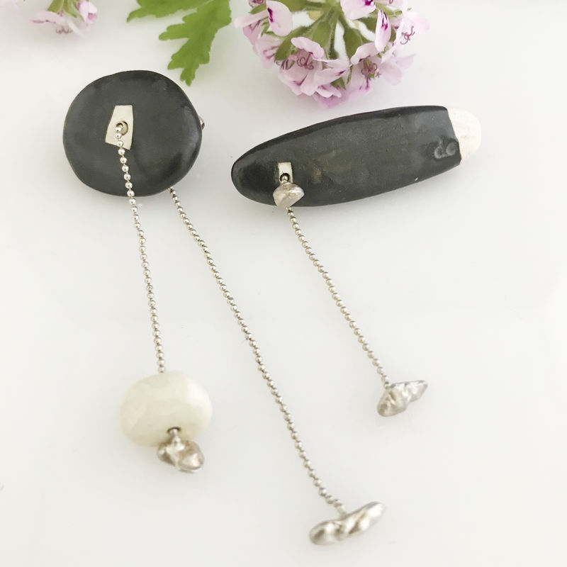 'Special Offer' - Black porcelain stone shaped brooch with white stone and sliding silver chain - product images  of