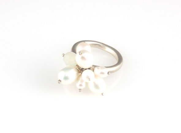 'Pearl Wonder' - pearl cluster silver ring and green quartz - product images  of