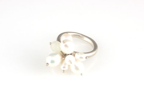 'Pearl,Wonder',-,pearl,cluster,silver,ring,and,green,quartz,silver jewellery, contemporary jewellery, ring, pearl, green quartz, cluster pearl ring