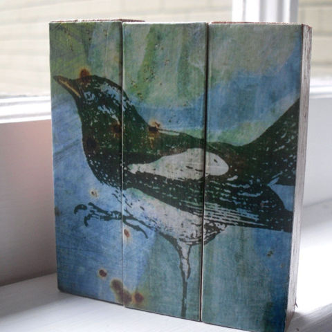 Magpie,-,Mini,Triptych,Blocks,Art,Illustration,wood,block,bird,magpie,blue,black,white,green,paper,ink,glue,sealer