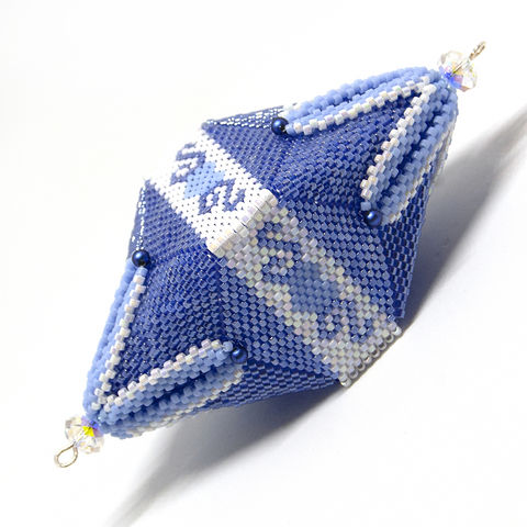 The,Pyramid,Pod,-,Peyote,Stitch,beading, tutorial, peyote, pyramid, pod, christmas, Tracey Lorraine, isosceles triangle, pattern, crystal star, crystal star gems, crystalstargems