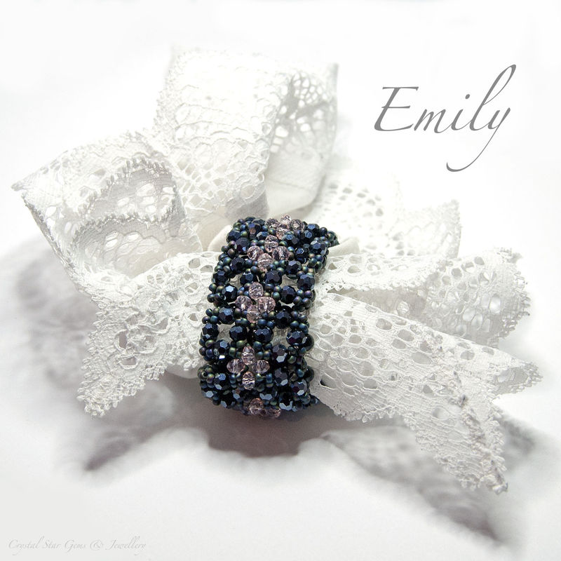 Emily Napkin Ring Tutorial - product image