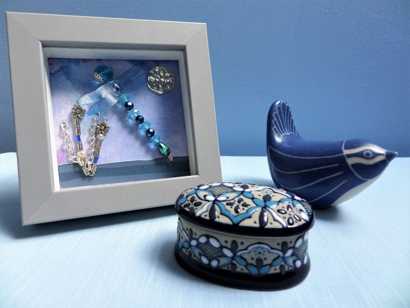 Beaded Beasties Turquoise Dragonfly Mini Box Frame - product image