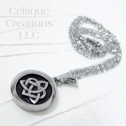 Bold,Sisters,Celtic,Knot,Necklace,Stianless,Steel,Sisters Knot, Celtic sisters Knot, Celtic Knot, Trinity Knot, Celtic, Jewelry, Necklace, Stainless Steel, Celtique Creations, Family