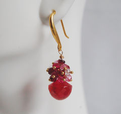 Gemstone,Hot,Pink,Corundum,Quartz,-,Shaded,Ruby,Cluster,Dangle,Drop,Earrings,Jewelry,cluster_earrings,cluster,dangle_earrings,drop,drop_earrings,ruby_earrings,hot_pink_earrings,pink_earrings,corundum_quartz,for_her,feminine_jewelry,valentines_day,valentine_gift,shaded ruby,hot pink corundum quartz,gold filled wire