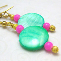 Pale,Mint,Green,Bright,Pink,and,Gold,Handmade,Earrings,Jewelry,Dangle,handmade_earrings,mint_green,pink,gold,dangle,casual,tasrete_team,beadsteam,mother_of_pearl,bright,fun,glass_beads,gold_plated_findings,gold_plated_ear_wires