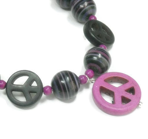 Peace,Necklace,-,Sign,Fordite,Beaded,Jewelry,Detroit,Agate,Bohemian,Peace_Necklace,Peace_Sign_Necklace,Peace_Sign_Jewelry,Peace_Jewelry,World_Peace_Symbol,Hippie_60s_Necklace,Fordite_Necklace,Fordite_Jewelry,Black,Lavender,Fuchsia,Detroit_Agate,4mm magnesite rounds,16mm magnesite peace beads,silv