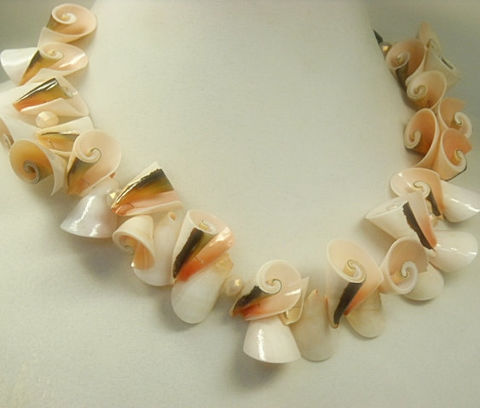 Pink,Shell,Collar,Necklace,,Seashell,Bib,Jewelry,,and,Black,Seashells,,Natural,,Pastel,,Chunky,,Whole,Shells,,Lei,Jewelry,Necklace,shell_necklace,shell_jewelry,natural_shell,collar,bib,statement,pink_and_black,whole_shells,seashells,tribal,organic_necklace,sea_shell_necklace,black_friday_cyber_m,whole natural shells,pale pink crystal roundels,black freshwater pearls