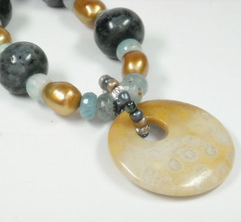 Statement,Necklace,,Black,Labradorite,,Aquamarine,,Bronze,Freshwater,Pearls,,Fossil,Coral,Pendant,,Chunky,,Gemstone,One,of,a,Kind,Jewelry,Necklace,Labradorite_Necklace,Black_Labradorite,Gold_Pearl,Freshwater_Pearl,Pearl_Necklace,Aquamarine_Necklace,June_Birthstone,March_Birthstone,Super_Chunky,Mystical,Chunky_Necklace,Art_Deco_Jewelry,Fossil_Coral,20mm black Labradorite rondelles,10