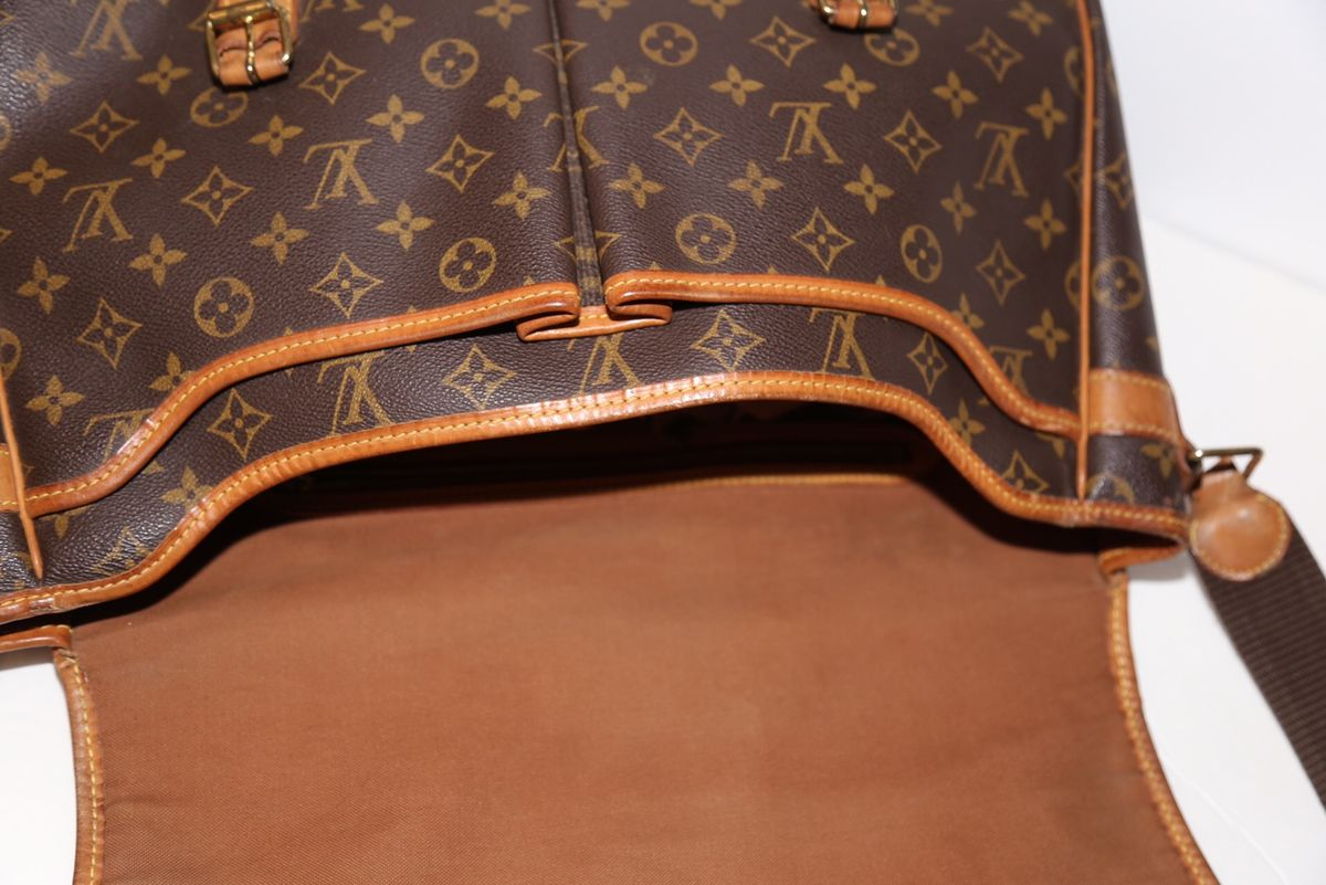 Louis Vuitton Messenger - product images  of