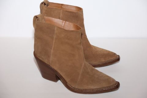 ACNE,STUDIOS,Chelsea,Style,Suede,Boot,acne studios, acne boots, acne studios consignment