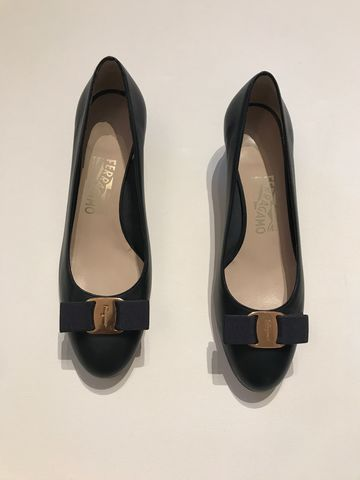Salvatore,Ferragamo,Leather,Bow,Flats,Salvatore Ferragamo flats, Salvatore Ferragamo vintage, consignment, bow flats