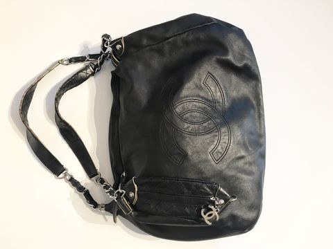 Chanel,Hobo,Leather,Bag,chanel hobo, chanel hobo bag, chanel consignment. luxury consignment, preowned chanel