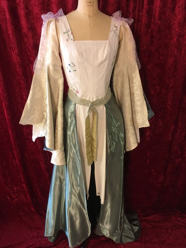 Sarah from Labyrinth Opening Scene Drauma 2016 Costume - product images  of