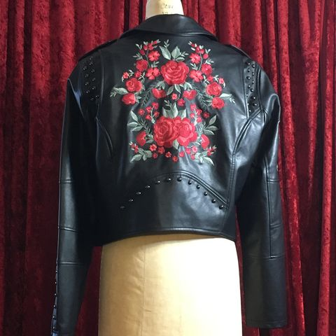 Rose,Embroidered,Black,Pleather,Motorcycle,Jacket,-,Torrid,Size,0,Rose Embroidered Black Pleather Motorcycle Jacket - Torrid Size 0