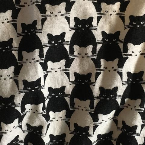 Kitty,Dress,-,Black,and,White,Retrolicious,1X,Kitty Dress - Black and White - Retrolicious 1X