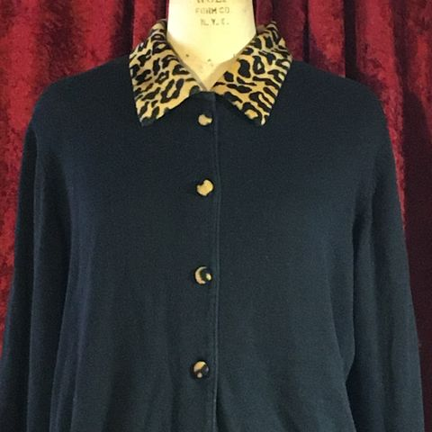 Vintage,Kobe,Black,Sweater/Cardigan,with,Leopard,Print,Collar,and,Buttons,Vintage Kobe Black Sweater/Cardigan with Leopard Print Collar and Buttons