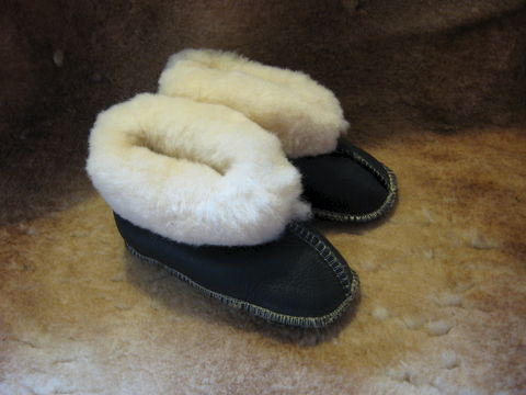 Sheepskin,Slippers,,Babies,Large,sheepskin, slippers,sheepskin slippers, babies slippers, babies, large, nappa slippers, fleece, leather, brown, Brush Creek Wool Works, BrushCreekWoolWorks