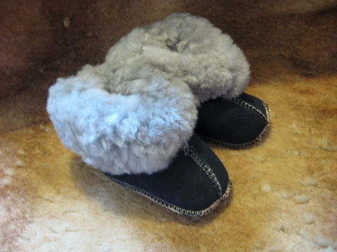 Sheepskin,Slippers,,Babies,Large,,,Black,and,Grey,sheepskin, slippers,sheepskin slippers, babies slippers, babies, large, nappa slippers, fleece, leather, black, Brush Creek Wool Works, BrushCreekWoolWorks
