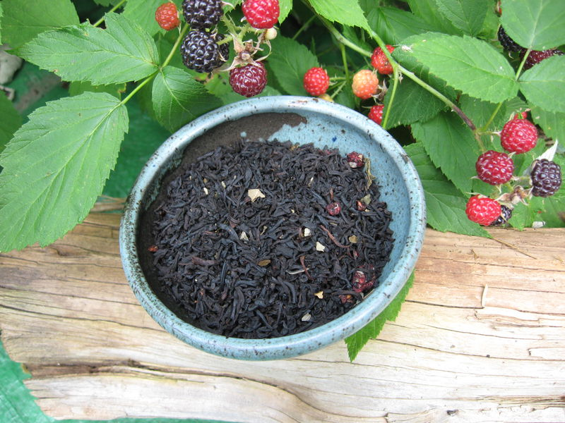 Raspberry Flavored Black Loose Leaf Tea, Camellia sinensis - product images  of