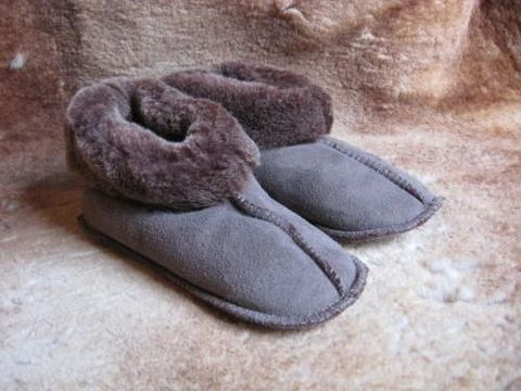 Sheepskin,Slippers,Brown,Suede,Kids,Medium,sheepskin, slippers, brown, kids, medium, suede, fleece, leather, clothing, Brush Creek Wool Works, BrushCreekWoolWorks, Southwestern Pa
