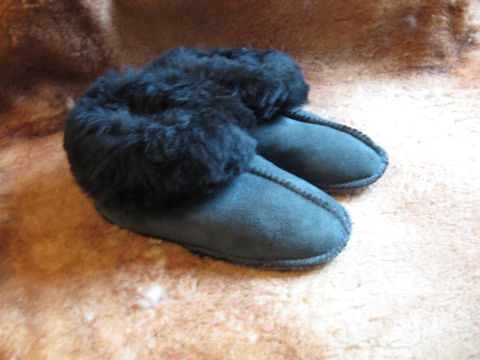 Sheepskin,Slippers,,Grey,Suede,,Kids,Small,sheepskin, slippers, grey, gray, small, kids, suede, fleece, leather, clothing, Brush Creek Wool Works, BrushCreekWoolWorks