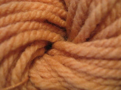 Natural,Dyed,Wool,Yarn,,,Quebracho,,Tin,yarn ,wool ,natural dyed , natural dyed yarn, quebracho dyed yarn, peach yarn, peach wool yarn, knitting yarn, weaving yarn, crochet yarn,  3 ply yarn ,3 ply wool yarn, BrushCreekWoolWorks, Brush Creek Wool Works