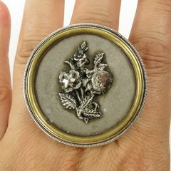 Mars and Valentine Sterling Silver Large Vintage Button Flower Ring - product images 5 of 5