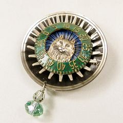 Mullanium - Cat on Sundial Pin - product images 3 of 4