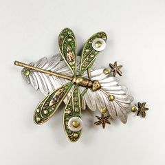 Mullanium - Dragonfly on Leaf Pin - product images 2 of 5
