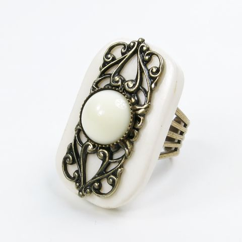 Jan,Michaels,Elizabethan,Ring,in,White,Bone,Jan Michaels, Jan Michaels Jewelry, Jan Michaels ring, Jan Michaels Elizabethan Ring in White Bone