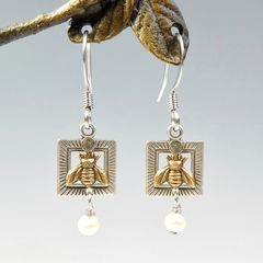 Mullanium Earrings - Bee with Pearl - product images 1 of 4