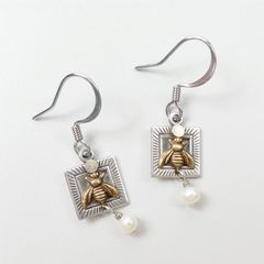 Mullanium Earrings - Bee with Pearl - product images 2 of 4