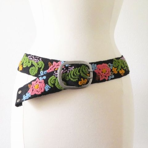 Jenny,Krauss,Chrysanthemum,Belt,Jenny Krauss Chrysanthemum  Belt, jenny krauss embroidered peruvian belt, Jenny Krauss wool embroidered belt